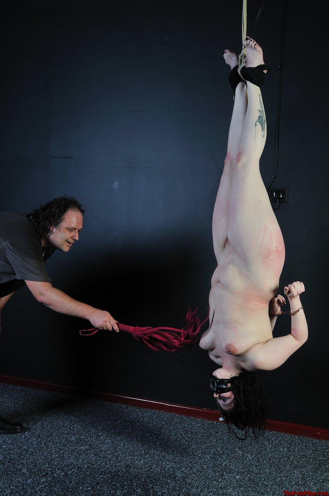 lara croft naked porno